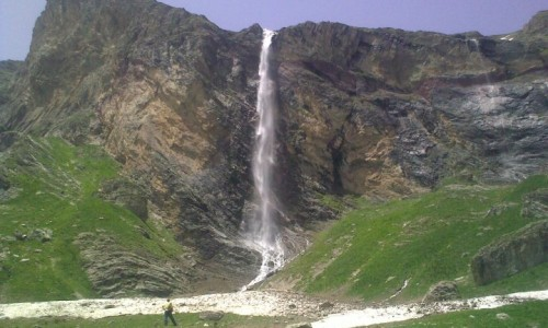 3348-Korab_waterfall1