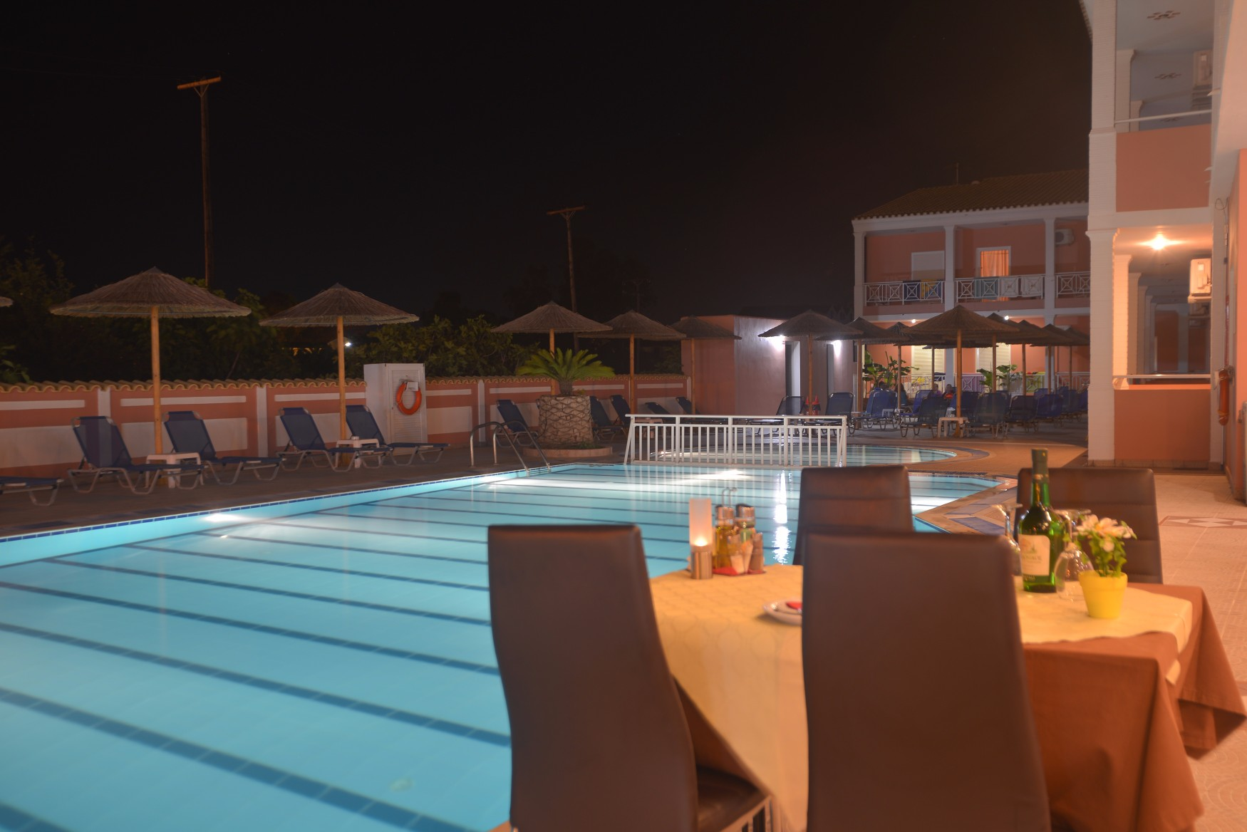Angelina-Hotel-Sidari-Corfu-pool-side-restaurant