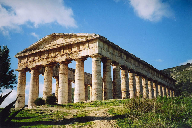 Greek-Temple-Segesta-Sicily-740x493